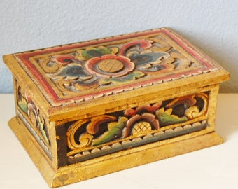 Vintage 1950s Carved Wood Folk Art Box Mexican Gilt Polychrome Asian