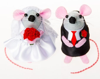 Mouse Wedding Cake Topper ornament cute felt bride and groom gift for engaged just married couple valentines day gift - Mr & Mrs Mouse