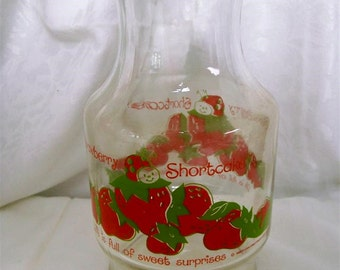 Sweet 1980 Strawberry Shortcake Decanter Carafe Jar w Lid Lemonade Pitcher