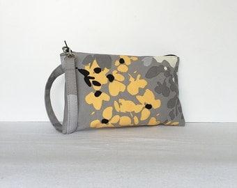 Square Wristlet Zipper Pouch - Yellow Floral Splat
