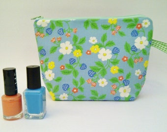 SALE Vintage Fabric Purse, Blue Strawberry Flower, Retro Blue and Orange Flowers Zip Pouch for Make Up and Things