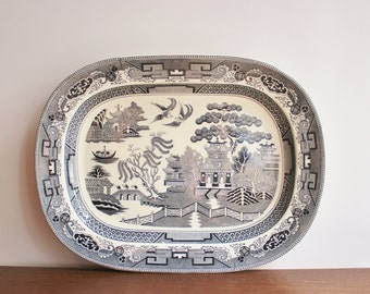 Vintage XL Blue Willow serving platter, Grey and white chinoiserie