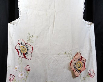Vintage Muslin Full Apron Embroidered  with a Flower Pocket and Removable Hot Pad