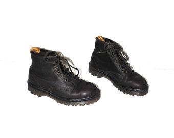 vintage DOC Marten hiking boots 90s grunge brown leather lug sole Dr Martens size 6.5