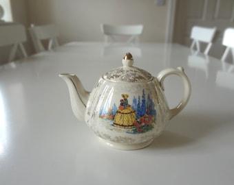 Sadler Teapot Crinoline Lady Gilded - Made in England - EnglishPreserves