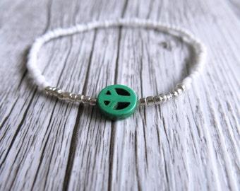 Peace Sign Bracelet Seed Bead Bracelet Dainty Stacking Bracelet White Silver Beads Boho Stretch Bracelet Peace Sign Charm Green Charm