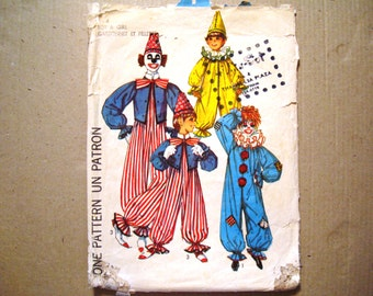 Simplicity 7162 Costumes Pattern Clowns. Halloween Dress Up Theatre. Child Size 2 - 4. Boy and Girl Clown Costume. Vintage.