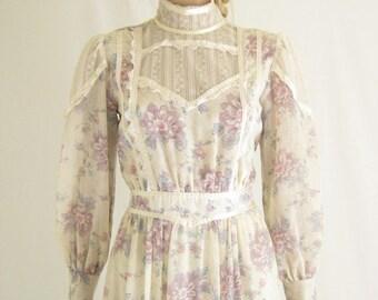 Vintage 70's GUNNE SAX Romantic Maxi Dress. Size Small
