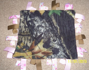 Homemade Camouflage/Pink a Fleece Ribbon Blanket