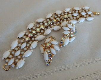 Stunning La Rel Earring and Bracelet Set - 1950's Vintage - White Glass - AB Rhinestones
