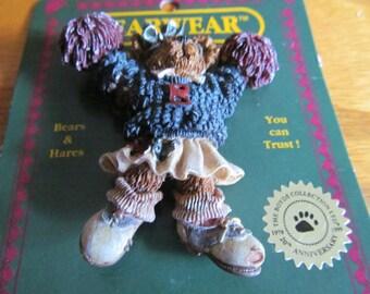 Cheer leader bear