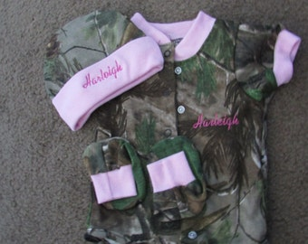 Personalized Mossy Oak Camo Camouflage 3PC Baby Set Personalized Girls Pink Trim