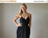 ON SALE 1970s Classic Little Black Dress>>> Extra Small