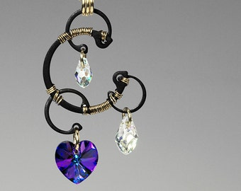 Jupiter v7: Wire wrapped Pendant with beautiful heliotrope Swarovski crystals