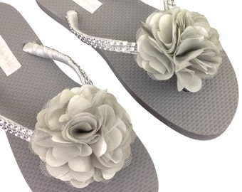 Bridesmaid Flip Flops - Bridal Flip Flops - Gray Flip Flops - Wedding Sandals - Grey Flip Flops -  Beach Wedding Flip Flops - Gray Wedding