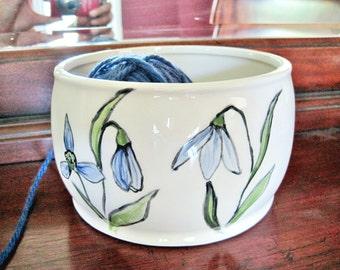 Ceramic Yarn bowl, knitting bowl, yarn organizor with flower, Mother's day gift - In stock