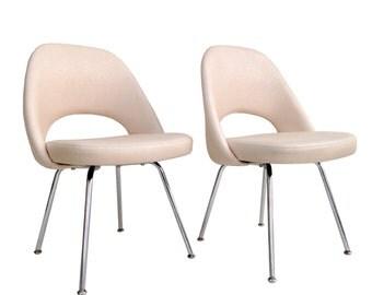 Pair of Knoll Saarinen Side Chairs Mid Century Modern