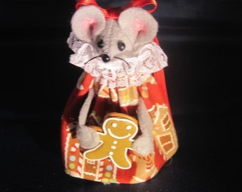 Mouse with Gingerbread!  NEW LOWER PRICE