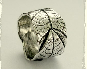 Silver Wedding band,  leaves ring, boho ring, nature band, vine ring, wide silver band, unique leaf ring, twig ring - falling leaves R1638