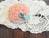 newborn baby hat //  newborn photo porp // baby photography // shabby chic // flower hat // vintage style // peach // ruffles // girl hat