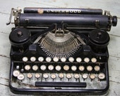 Antique Underwood TYPEWRITER- WORKS- Manual Typewriter- Industrial Design- Vintage Office Decor