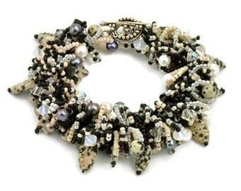 Tutorial DIY Bead Fringe Jewelry PDF Pattern, Woolly Worm Bracelet