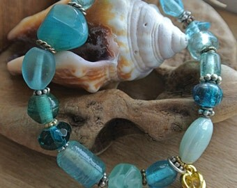 Blue Stretch Bracelet // Stacking Bracelet // Stretch Bracelet // Aqua Bracelet // Bracelets Under 15 // Gifts For Her // Charm Bracelet