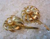 vintage hair clip, barrette gold barrette with a faux pearl, rare pair, bridal hair accessories