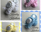 Crochet Baby Booties/Booties/Newborn Booties/ Baby Booties /SWEET Soft  BOOTIES (Ready to Ship)
