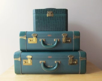 1940's forest green luggage set pullman suitcase traveler keyed train case faux alligator