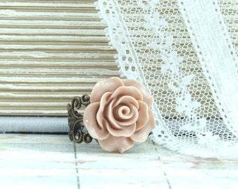 Pink Flower Ring Victorian Ring Pink Rose Ring Rose Cabochon Ring Pink Floral Ring FLower Cabochon Ring