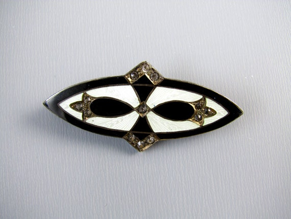 Vintage Art Deco sterling silver white guilloche and black taille de epargne enamel rhinestone paste brooch pin
