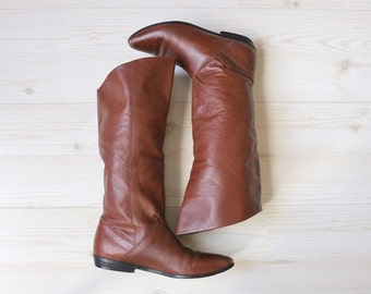 Vintage 1980s Caramel Leather Slouch Calf High Boots / Slip On Boots / Size 6 US