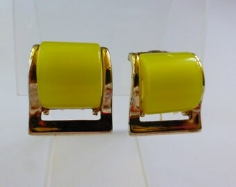 VTG Moonglow Lucite Earrings Lemon Yellow clip-ons 50s/60s