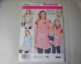 New Simplicity, Vintage Style Apron Pattern, 8030, Mommy, Me and Dolly (Free US Shipping)