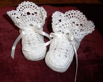 Handmade Crocheted Baby Booties Size 0-3 months White-Ruffly-Heirloom Quality-100% Cotton Thread
