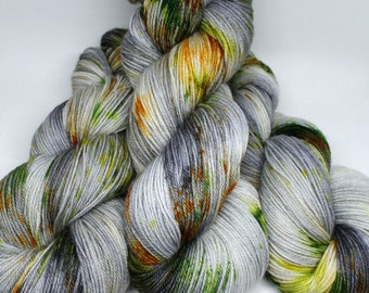 Hand Dyed Sock Yarn - Snappy Sock - Superwash Corriedale Nylon - 434 yards - Bug Jar