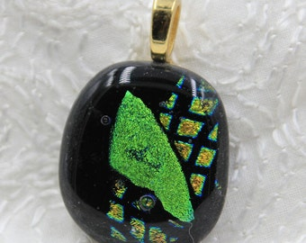 Leisure Fused Dichroic Glass Pendant