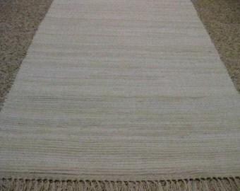 Handwoven Off Whites Rag Rug 25 x 42 (M)