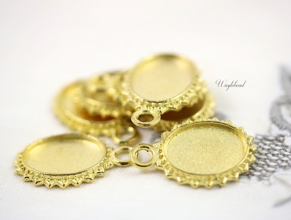 Matte Gold Toned Metal Pendant Setting - 8