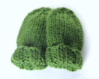 Green Baby Mittens, Newborn Size 0 to 3 Months, Ready To Ship, Hand Knit Infant Thumbless Mitts, Baby Gift, Boy or Girl Warm Winter Mittens