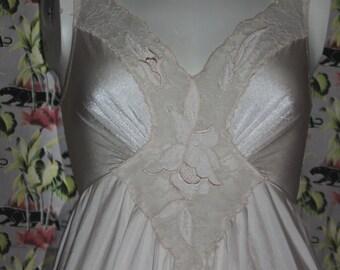Vintage 70's Olga Full Sweep Nightgown Cream M