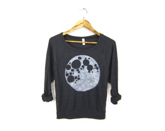 Full Moon Sweatshirt - Oversized Lightweight Long Sleeve Pullover Raglan Sweater in Heather Black and White - Women's Size XS-2XL