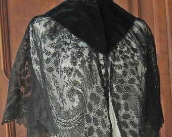 Capelet Black Velvet and Lace Victorian Cloke