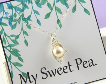 Peas In A Pod,One Pea in a Pod Necklace,Pea Pod Jewelry,Mothers Necklace,Baby Shower Gift,Grandmothers Necklace,Choose Your Color Pearl