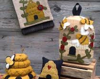 "Primitive Quilt Pattern - Wool Applique' Quilt Pattern ""Busy Bees"", by Wooden Spool Designs"