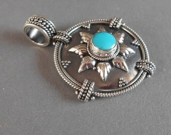 Balinese Silver Pendant with Turquoise / silver handmade jewelry / silver 925 Bali jewel
