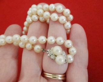 """20% off sale Vintage hand knotted pearl 20"""" necklace in great condition"""