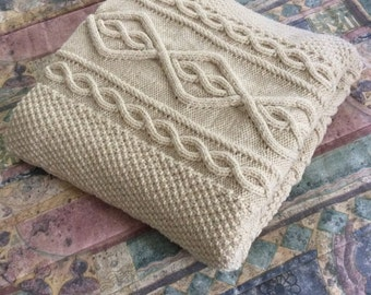 SALE, Chunky Hand Knit Blanket, Off-white 50x60