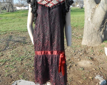 Cute Black/Burgundy Lace Flapper-Style 60s Dress - Size M